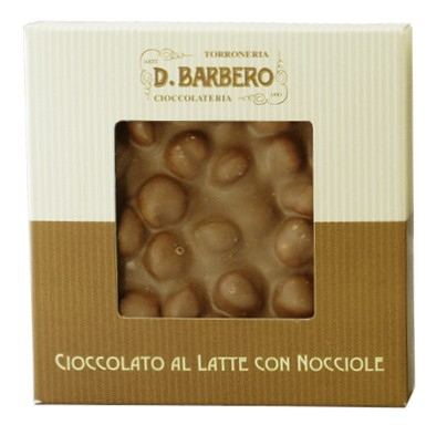 Cioccolato al latte con nocciole